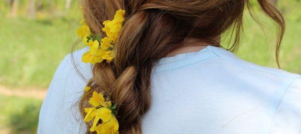 Kwiaty we włosach - czyli jak wrzucić na luz