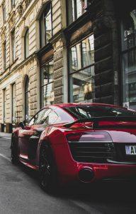 Na co zwrócić uwagę przy zakupie luksusowego samochodu na rynku wtórnym?