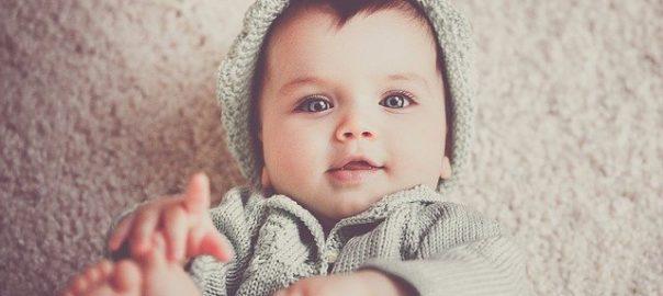 Jak kupić dobre ubranka dla niemowlaka?