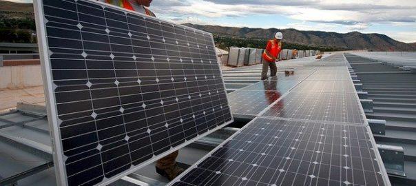 Panele fotowoltaiczne - wykorzystywanie energii słonecznej