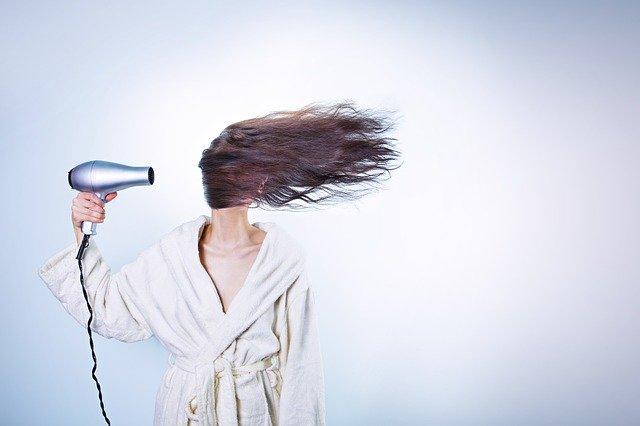 Chcesz mieć piękne włosy? Pamiętaj o szczotkowaniu